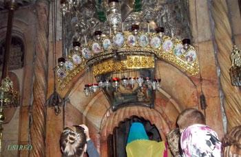 Єрусалим. Храм Гробу Господнього. Вхід до Кувуклії